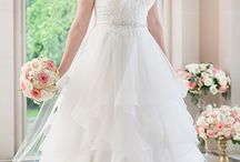 EveryBody/EveryBride / Every bride, regardless of her body shape or size, should experience the joy of finding the designer wedding dress of her dreams. EveryBody/EveryBride features plus size wedding dresses from award winning designer Stella York