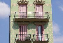 homlokzatok-ajtòk-ablakok / by Renata Gallo
