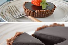 Healthy Sweet Treats / Raw, no-bake, healthy sweets and still-pretty-healthy baked desserts