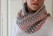 gehaakte sjaal grijs/roze