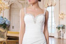Lillian West, Weddies Bridewear'da! / Dünyanın en önemli gelinlik markası Lillian West, birbirinden seçkin gelinlikleriyle Weddies Bridewear'da!