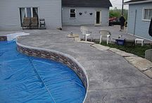 Backyard Pool Ideas and Designs / Backyard Pool Landscaping Ideas. Luxurious pools and some on a budget.