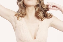 Nearly Nude - Sleek Microfibre / Our divine shaping Micro range