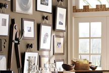 Displaying pictures / There are so, so, so many ways to arrange and display artwork that the mind spins.  Visuals always help.  Here you can find ideas that you can copy or adapt to you individual space.