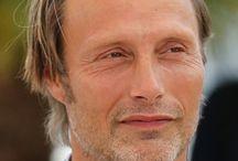 Mads Mikkelsen / JE L 'AIME, JE L 'ADORE I LOVE HIM, I ADORE HIM,