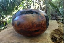 John Freeman Designs / John Freeman is Wood sculptor from Waiheke Island,New Zealand. He specializes in carving native swamp Kauri which are millions of years old.