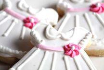 G A L L E T A S.      C O O K I E S / Recetas de galletas, Royal Ice o Glaseado Real, decoración de galletas  / by yuriko mabe