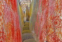 Installations and Land art / tila ja ympäristötaide / Tilateoksia, ympäristöteoksia.