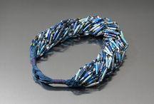 B411 Perlen/Beads