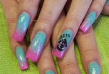 Graduation Nail Art / by NAILS Magazine