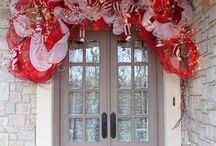 Holiday and Seasonal Doors by Tabulous Design / A look at the collection of Holiday door decorations done by Tab Byrum through out the year for clients at their homes.