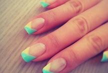 nails/tattoos