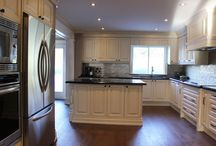 Classic Kitchen Renovation & Custom Cabinet Design in Toronto and Thornhill / Please feel free to give us a call if you are thinking of doing any high quality classic kitchen renovations in the Toronto, North York, Thornhill, Richmond Hill and surrounding areas to book a free consultation and estimate!