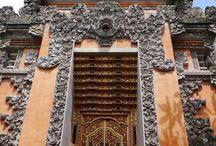 Bali doors / Beautiful ornate doors from Ubud, Bali