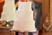 Wedding Cake Inspriation / Wedding Cake Designs | Wedding Cake Inspiration | Wedding Desserts | Wedding Cupcakes