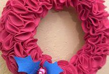 wreaths / by Holli Thompson