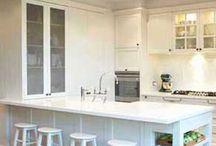 kitchen islands/peninsulas