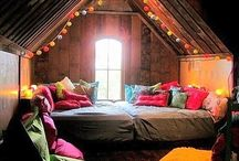 Cozy Nooks / Cozy Small Spaces