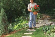 DIY Backyard Projects / Improve your yard with these easy do it yourself projects