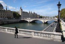 Parigi mon amour / Se ognuno di noi ha una citta' del cuore, io scelgo Parigi. Magica, raffinata, grandiosa, mai banale! C' e' sempre qualcosa da scoprire e da assaporare in questa bella citta'che e' il cuore pulsante della Francia, terra che amo in ogni suo angolo.