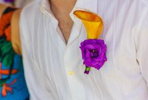 Boutonnières / Flower pins for men at weddings