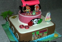 Bday Party Ideas / by Chessi Scarbary