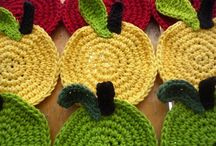 Craft: Crochet-Cute Things / by Jeanette Schwarz