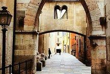 Modena: cose da vedere / Abbia pensato di raccontare la città di Modena in cui è stato aperto il terzo locale La Mukkeria per darvi interessanti spunti per visitare il centro storico e conoscere più a fondo le sue eccellenze.