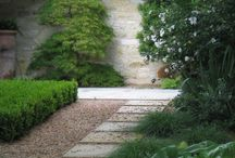 Puutarhan polut ja portaat