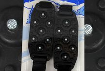 Broddar / Halkskydd / Broddar används till skor som halkskydd för att förhindra att man halkar och skadar sig när man går eller springer på snö eller is. Gjorda av TPR material som klarar kyla -40°C. Flexibla och enkla att använda. Sätt på dem och spänn fast dem. Tänk på att välja en aning större storlek om du har stora vinter skor.