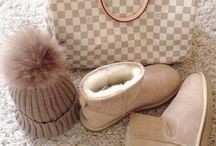 Very nice uggs good for causal / Um nice and good for hangouts