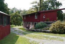The Cottage at Willow Lake Farms Fishkill, NY / Nestled at the back of the estate. 2 bedrooms, sleeps 4 best. Fold-out sofa allows for a possible 6. www.willowlakeny.com