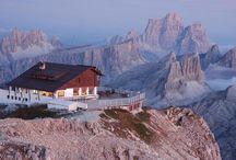 Monti più Belli del Mondo / In questa categoria possiamo trovare i monti più alti del mondo, quelli più belli e particolari e le catene montuose più grandi del pianeta terra. Le vedute dalle vette più alte del pianeta.