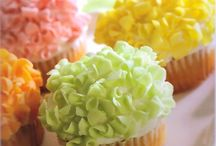 Food - Frosting & Dessert Sauces / by Ilene Irvin