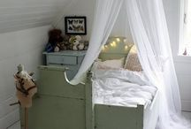 bedrooms for kids / by Margreet Kroon