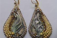 BOUCLES OREILLES SHIBORI / Boucles d'oreilles réalisées avec du ruban Shibori.