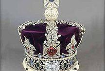 Queens, Kings, Royals