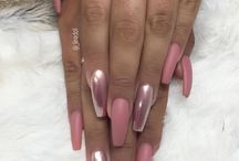 Metallic-kleurige nagels