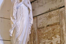 statues / by Teresa Maria