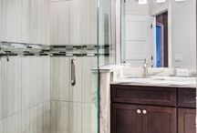 Vanity Mirrors and mirror closet doors / Inspiration for using mirrors in your bathroom vanity and closet doors