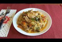 Stewed spring cabbage with rice and chicken.Varză călită cu orez și pui.Капустняк с курицей и рисом. / Ingredients: spring cabbage-2 kg, chicken-500g, 2 onion, 3 carotes, 1 pepper, tomato paste-80g, rice-100g, green onion, dill, salt, mixt piper. Ingrediente: varză-2 kg, carne de pui-500g, 2 cepe, 3 morcovi, 1 ardei gras, pastă de roșii-80g, orez-100g, ceapă verde, mărar, sare, piper. Ингредиенты: капуста-2кг, мясо куриное-500г, лук-2шт, морковь-3шт, один перец, томатная паста-80г, рис-100г, зелёный лук, укроп, соль, чёрный перец.