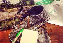 Pedü / Il Pedü è una calzatura tipica del comune di Lanzada costituita da una spessa suola di stoffa sulla quale è cucita una tomaia stringata di velluto a coste.