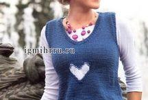 темно-синий жилет с сердечками