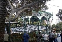 Portal de Belén, parque San Telmo, Las Palmas de Gran Canaria. / El Parque de San Telmo tiene gran importancia histórica ya que fue el emplazamiento de la muralla norte de la ciudad, que se mantuvo en pie hasta el siglo XIX y de cuya presencia se conserva el Castillo de Mata (subiendo por la calle Bravo Murillo). Este parque se emplazó en este lugar para recibir a viajeros y navegantes, ya que también junto a las murallas se levantó el primer muelle que tuvo la ciudad.