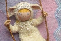 Dolls & Puppets / .
