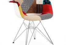 Collezione ispirata ad Eames / Che sia per l'ufficio, per la cucina o una sedia a dondolo per il salotto, c'è un design ispirato ad Eames per ogni occasione. Eames era un vero e proprio genio! Abbiamo una vasta gamma di sedie ispirate a lui, allo stesso tempo stilose e pratiche, di tantissimi colori.