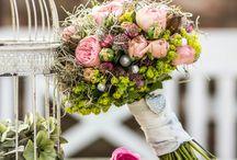 Vintage Wedding / Ich liebe romantische Vintage Hochzeiten und arbeite dafür auch gerne Brautsträuße und kreative Dekorationen