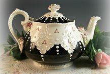 Tea Cups, Teapots, Vases & Glassware