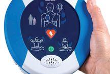 Defibrillatore Samaritan Pad 500p / Heartsine Samaritan PAD 500P è il dispositivo DAE più innovativo sul mercato in grado di supportare pienamente quanto affermato dalle Linee Guida, offrendo in tempo reale ai soccorritori un riscontro clinico in merito all´efficacia delle manovre di RCP effettuate.