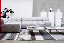 Trend - Urban Astronaut - 2015 - Anders Style / Meer zeggen met minder: minder kleur, minder dessin, minder mixen met stijlen. Het is heerlijk rustig thuiskomen in een universum van licht en ruimte. Dit pure interieur voelt bijna gewichtloos aan en de bewoners zweven er doorheen als futuristische kosmopolieten.
